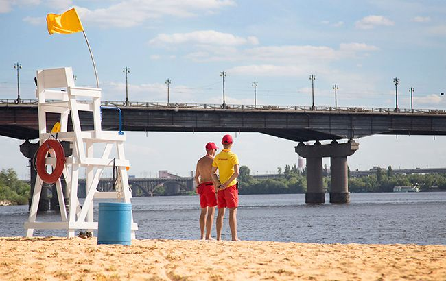 На всіх київських пляжах не рекомендується купатися