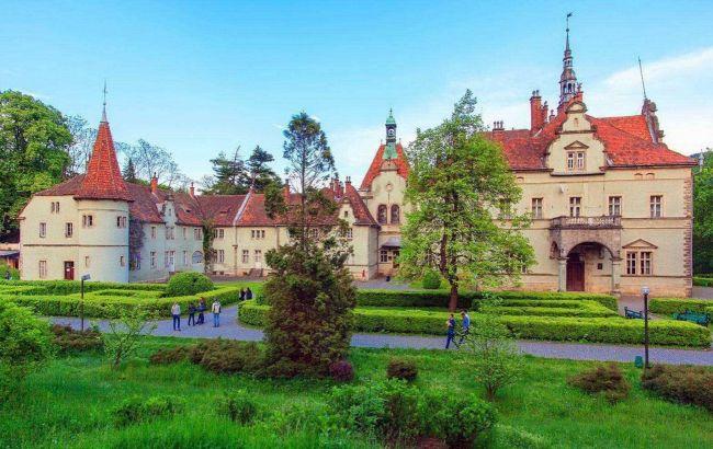 Неприступные твердыни: пять красивейших замков Украины, которые стоит увидеть осенью