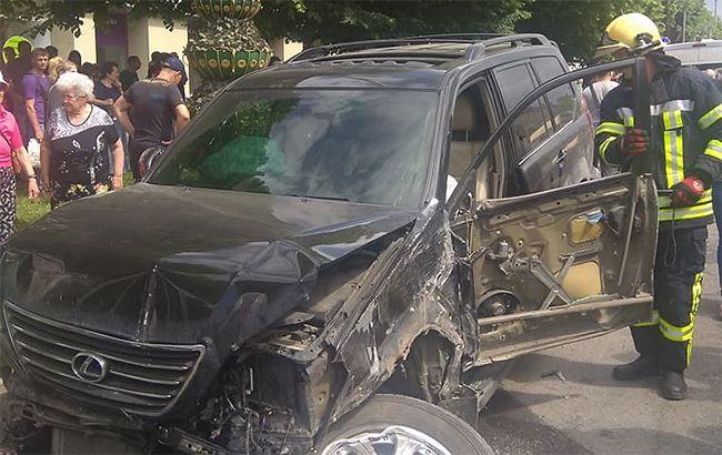 У Запоріжжі зіткнулися 10 автомобілів і автобус, є постраждалі