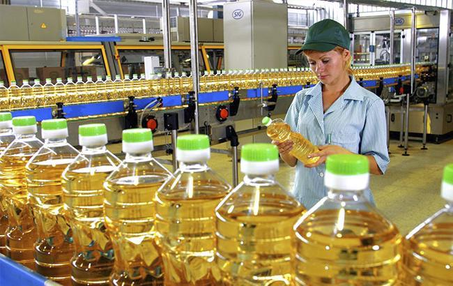 Оптові ціни на соняшникову олію зросли за місяць на 5% - до 20,7 тис. грн/т
