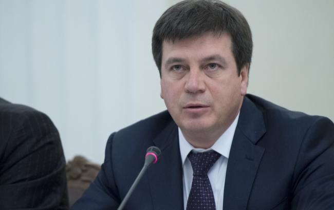 Зубко назвал трудовую миграцию украинцев угрозой для государства