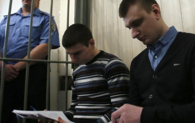 Суд над экс-беркутовцами Зинченко и Аброськиным будет транслироваться на портале судебной власти