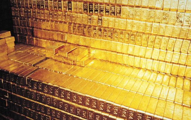 НБУ повысил курс золота до 267,65 тыс грн за 10 унций
