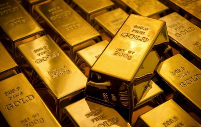 НБУ понизил курс золота до 249,17 тыс грн за 10 унций