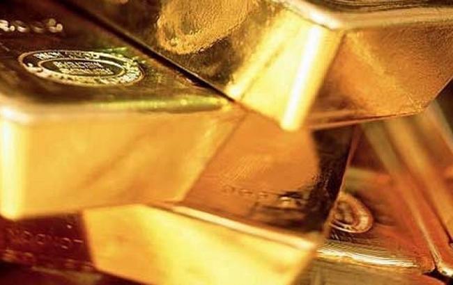 НБУ понизил курс золота до 258,07 тыс. грн за 10 унций