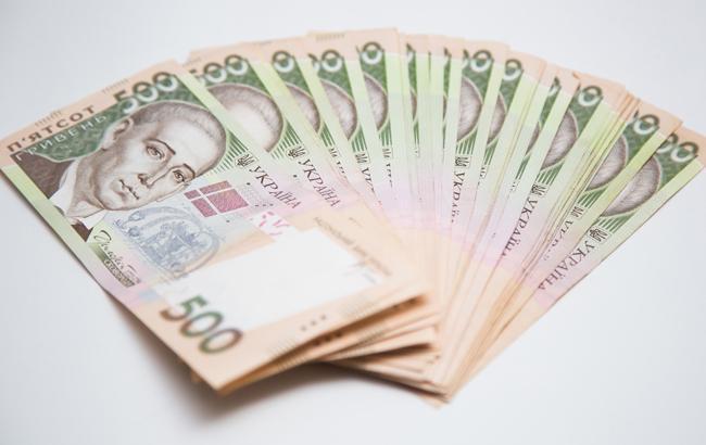 Средняя зарплата в Украине в октябре выросла на 26 гривен